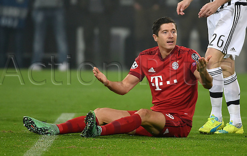 23.02.2016. Turin, Italy. UEFA Champions League football. Juventus versus Bayern Munich.  Robert Lewandowski (FC Bayern Munich)  wonders why no foul given