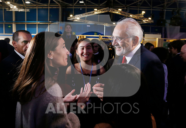 COP25 president Carolina Schmidt and Carlos Mesa ex prime minister of Bolivia talks during the second daay of COP25 at the 'IFEMA - Feria de Madrid' exhibition centre, in Madrid, on December 3, 2019.(ALTERPHOTOS/Manu R.B.)