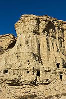 Europe, Espagne, Navarre,  Arguedas: Parc Naturel des Bardenas Reales, Réserve de biosphère, Les grottes d'Arguedas, Les « Cuevas », ou habitations troglodytes, sont des habitats creusés dans la roche // Europe, Spain, Navarre,  Arguedas: Bardenas Reales Natural Park, Biosphere Reserve , Arguedas caves, cave dwellings, are carved habitats into the rock