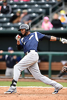 Pensacola Blue Wahoos outfielder Juan Duran (31) at bat during a game against the Jacksonville Suns on April 20, 2014 at Bragan Field in Jacksonville, Florida.  Jacksonville defeated Pensacola 5-4.  (Mike Janes/Four Seam Images)