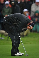 Shane Lowry bows his head after missing his putt to win on the 18th hole during the Final Round of the 3 Irish Open on 17th May 2009 (Photo by Eoin Clarke/GOLFFILE)