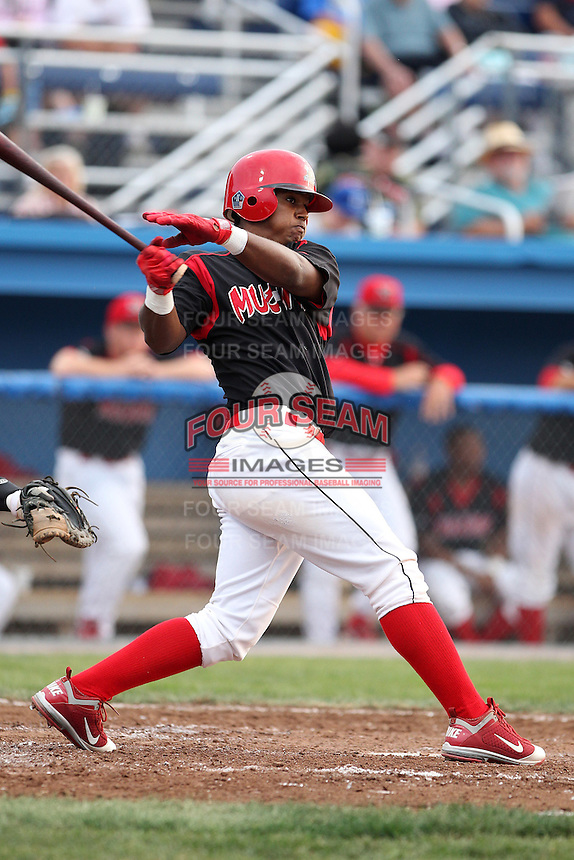 Batavia Muckdogs outfielder Roberto Reyes #4 during a game against the State College Spikes at Dwyer Stadium on July 7, 2011 in Batavia, New York.  Batavia defeated State College 16-3.  (Mike Janes/Four Seam Images)