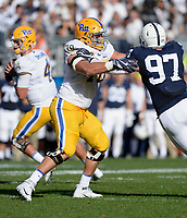 STATE COLLEGE, PA - SEPTEMBER 09:  Pitt T Brian O'Neill (70) pass blocks. The Penn State Nittany Lions defeated the Pittsburgh Panthers 33-14 in the Keystone Classic September 9, 2017 at Beaver Stadium in State College, PA. (Photo by Randy Litzinger/Icon Sportswire)