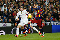 Real Madrid´s Gareth Bale (L) and Barcelona´s Mathieu during 2015-16 La Liga match between Real Madrid and Barcelona at Santiago Bernabeu stadium in Madrid, Spain. November 21, 2015. (ALTERPHOTOS/Victor Blanco) /NortePhoto