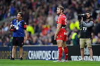 Leigh Halfpenny of RC Toulon prepares to take a conversion attempt
