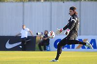SAO PAULO, SP 16 JULHO 2013 - TREINO CORINTHIANS - O goleriro do Corinthians Cassio, treinou na tarde de hoje, 20, no Ct. Dr. Joaquim Grava, na zona leste de São Paulo. FOTO: PAULO FISCHER/BRAZIL PHOTO PRESS.