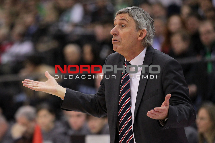 22.12.2013, Arena Trier, Trier, GER, BEKO BBL, TBB Trier vs FC Bayern Muenchen Basketball, im Bild<br /> <br /> Svetislav Pesic (Coach, Headcoach, Trainer FC Bayern Muenchen Basketball) fragend, Portrait, Emotionen<br /> Foto &copy; nordphoto / Majerus