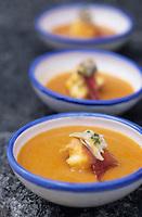 """Europe/Espagne/Castille/Zamora : Soupe castellane à l'ail et à lotte - Recette de A. Gonzalès de Las Heras du restaurant """"El Ricon de Antonio"""""""