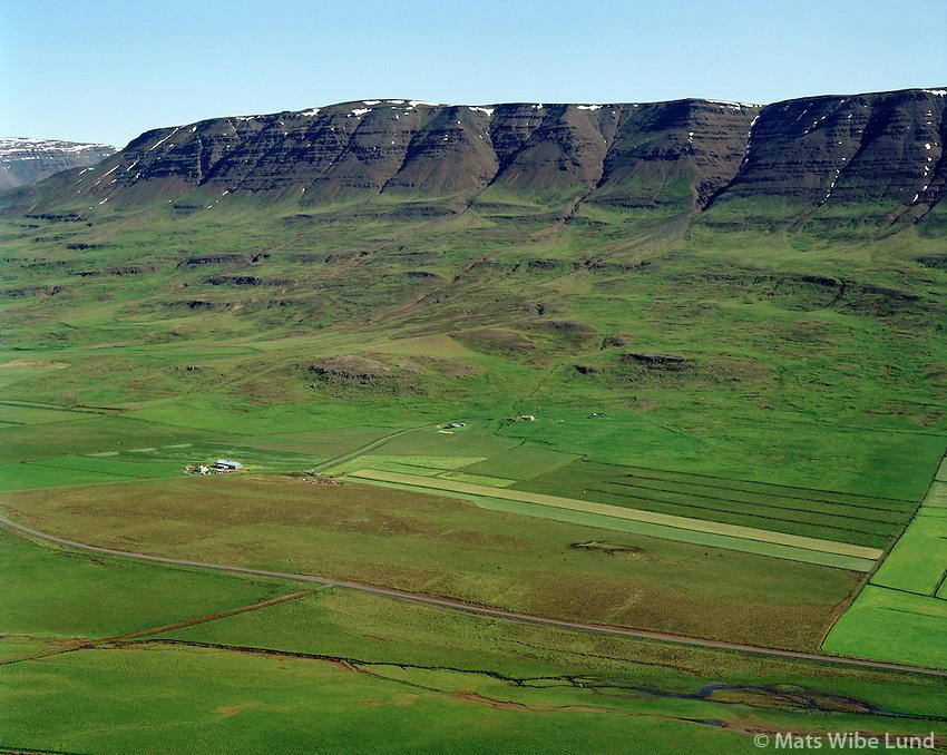 Þormóðsholt og  Bjarnastaðir séð til norðausturs, Akrahreppur / Thormodsholt and Bjarnastadir viewing northeast, Akrahreppur.