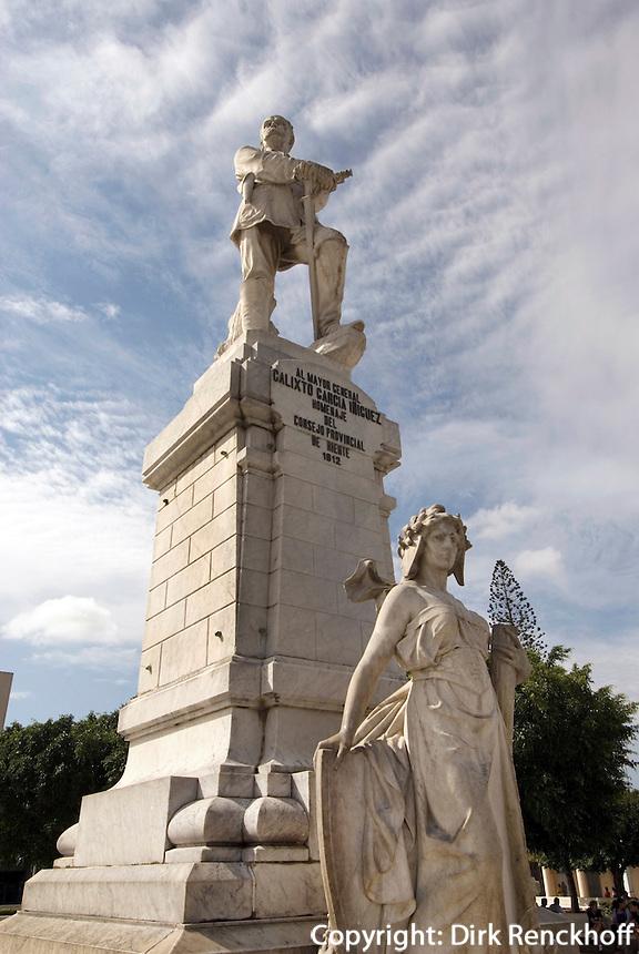 Cuba, Denkmal G. Garcia am Parque Galixto Garcia in Holguin