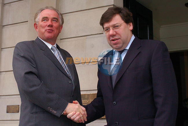 Dublin Ireland, (l) Icelandic Foreign Minister, Mr. Halldor çsgr'msson meeting with Irish Foreign Minister Brian Cowen before there meeting at Iveagh House in Dublin Ireland. 12th February 2004.Photo AFP/NEWSFILE/FRAN CAFFREY..(Photo credit should read FRAN CAFFREY/NEWSFILE/AFP)...This Picture has been sent you under the condtions enclosed by:.Newsfile Ltd..the Studio,.Millmount Abbey,.Drogheda,.Co Meath..Ireland..Tel: +353(0)41-9871240.Fax: +353(0)41-9871260.GSM: +353(0)86-2500958.email: pictures@newsfile.ie.www.newsfile.ie.FTP: 193.120.102.198..This picture is from Fran Caffrey@newsfile.ie