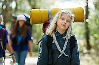 20140806 Vilda-l&auml;ger p&aring; Kragen&auml;s. Foto f&ouml;r Scoutshop.se<br /> scout, scouter, b&auml;ra, g&aring;, skog, packning