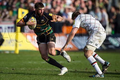 29.03.2014.  Northampton, England.  n8hands off Ed SLATER of Leicester Tigers during the Aviva Premiership match between Northampton Saints and Leicester Tigers at Franklin's Gardens.  Final score: Northampton Saints 16-22 Leicester Tigers.