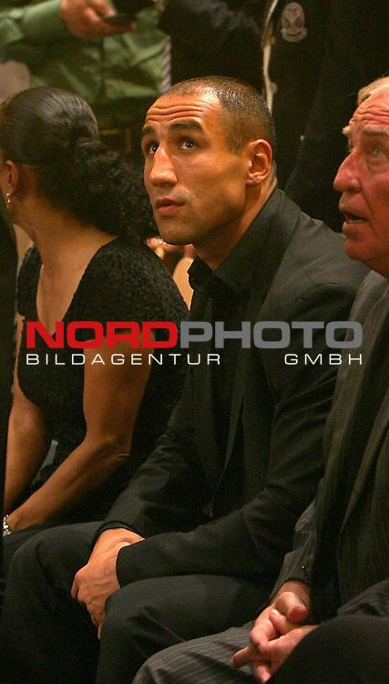 NABA-Meisterschaft im Schwergewicht<br /> NABA Heavyweight Title 12 rounds<br /> Berufsboxgala in der EWE Arena in Oldenburg<br /> Jean-Francois Bergeron (Kanada #Titelverteidiger / Champion) vs Nikola Valuev ( Russland # Herausforderer / Challenger )<br /> Arthur Abraham<br /> Foto &copy; nph ( nordphoto )<br /> <br /> <br /> <br /> <br /> <br /> <br /> <br /> <br /> <br /> <br /> <br /> <br /> <br /> <br /> <br /> <br /> <br /> <br /> <br /> <br /> <br /> <br /> <br /> <br /> <br /> <br /> <br /> <br /> <br /> <br /> <br />  *** Local Caption ***