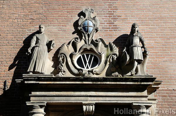 Zwolle.De Weeshuispoort