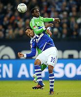 FUSSBALL   1. BUNDESLIGA   SAISON 2011/2012   22. SPIELTAG FC Schalke 04 - VfL Wolfsburg         19.02.2012 Joel Matip (FC Schalke 04) vor Giovanni Sio (hinten, Wolfsburg)