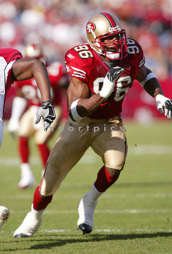 Andre Carter, of the San Francisco 49ers, in action during thier game against the Arizona Cardinals  on December 4, 2005..Rob Holt / SportPics..Cardinals win 17-10