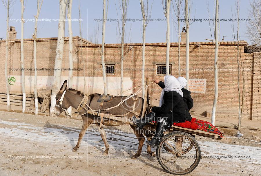 CHINA province Xinjiang, uighur town Opal near Kashgar / CHINA Provinz Xinjiang, uigurische Stadt Opal bei Kashgar, hier lebt das Turkvolk der Uiguren, das sich zum Islam bekennt