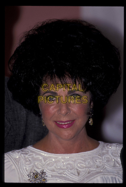 ELIZABETH TAYLOR.Ref: 026.portrait, headshot.*RAW SCAN- photo will be adjusted for publication*.www.capitalpictures.com.sales@capitalpictures.com.©Capital Pictures
