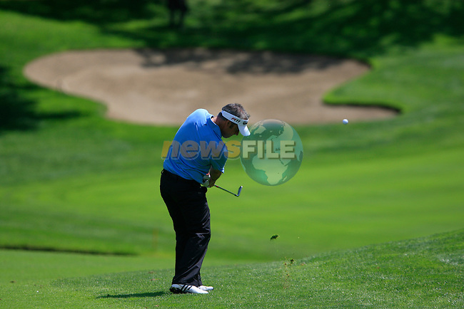 Paul McGinley (IRL) plays his 2nd shot on the 3rd hole during Day 2 of the BMW Italian Open at Royal Park I Roveri, Turin, Italy, 10th June 2011 (Photo Eoin Clarke/Golffile 2011)