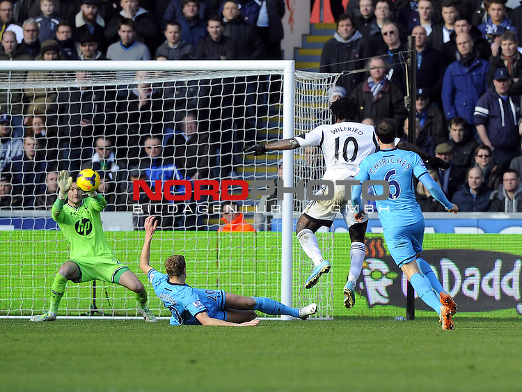 Tottenham Hotspur's Hugo Lloris saves Swansea City's Wilfried Bony's shot -   19/01/2014 - SPORT - FOOTBALL - Liberty Stadium - Swansea - Swansea City v Tottenham Hotspur - Barclays Premier League<br /> Foto nph / Meredith<br /> <br /> ***** OUT OF UK *****