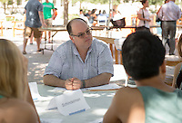 Gary Schindelman, Full-time NTT Associate Professor, Biology. Incoming first years meet with their faculty advisors during the Major Information Sessions & Advising part of Orientation in the Academic Quad, Aug. 24, 2015.<br /> (Photo by Marc Campos, Occidental College Photographer)