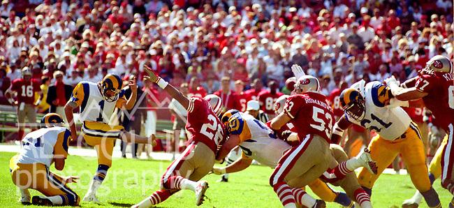 San Francisco 49ers vs Los Angles Rams at Candlestick Park Sunday, October 1, 1989..Rams Beat 49ers 13-12.Rams Kicker Mike Lansford (1) makes field goal. ..