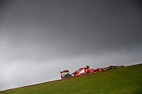 SAO PAULO, SP, 23.11.2013 - F1 - TREINOS LIVRES -  O piloto brasileiro Felipe Massa, da Ferrari, durante o treino livre deste sábado (23) para o Grande Prêmio do Brasil de Fórmula 1, no autódromo de Interlagos, na zona sul de São Paulo. O treino de classificação para a corrida, que ocorre amanhã, começa hoje a partir das 14h. (Foto: Pixathlon/ Brazil Photo Press).