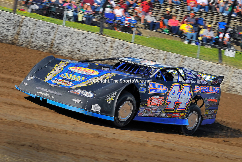 Jun 5, 2009; 6:40:48 PM; Rossburg, OH., USA; The running of the Dream XV  Dirt Late Models at the Eldora Speedway.  Mandatory Credit: (thesportswire.net)