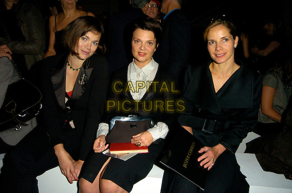 JASMINE GUINNESS, LULU GUINNESS & DARCY BUSSELL.Attending the Jasper Conran Spring /Summer 2008 Fashion Show, BFC Tent, London, England, .September 17th 2007..half length sitting black jackets.CAP/CAN.©Can Nguyen/Capital Pictures