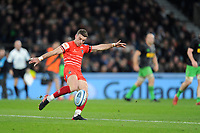 George Ford of Leicester Tigers takes a kick during Big Game 12 in the Gallagher Premiership Rugby match between Harlequins and Leicester Tigers at Twickenham Stadium on Saturday 28th December 2019 (Photo by Rob Munro/Stewart Communications)