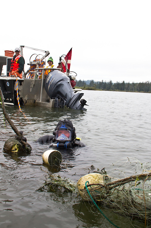 Ghost Nets, derelict fishing nets removal, Chehalis River, Grays Harbor estuary, Grays Harbor County, Washington Coast, Washington State, Pacific Northwest, United States, The Nature Conservancy, Quinalt Indian Nation, National Oceanic & Atmospheric Administration, NOAA, U.S. Fish and Wildlife Service, Grays Harbor County Marine Resource Committee, Washington State  Departments of Fish and Wildlife and Natural Resources, the Northwest Straits Foundation, and the Pacific Marine and Estuarine Fish Habitat Partnership contributed funding, Aboard the boat: Paul Rudell: Onboard Manager/Fisheries Biologist, Natural Resources Consultants, Crayton Fenn: Diver/Operations Manager, Fenn Enterprises, Bryan DeLong: Captain, Fenn Enterprises, Erik Hazelton: Diver, Fenn Enterprises , Levi Capoeman, Onboard Manager, Quinault Indian Nation, conservation, Olympic Peninsula, salmon restoration, land preservation, Washington Coast,
