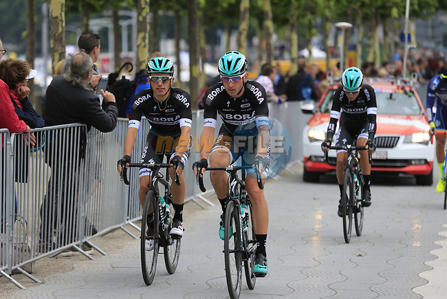 Bora-Hansgrohe team head to sign on in Dusseldorf before the start of Stage 2 of the 104th edition of the Tour de France 2017, running 203.5km from Dusseldorf, Germany to Liege, Belgium. 2nd July 2017.<br /> Picture: Eoin Clarke | Cyclefile<br /> <br /> <br /> All photos usage must carry mandatory copyright credit (&copy; Cyclefile | Eoin Clarke)