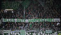 Fussball 1. Bundesliga :  Saison   2012/2013   9. Spieltag  27.10.2012 SpVgg Greuther Fuerth - SV Werder Bremen Fankurve von Greuther Fuerth mit einem Banner Alles Gute Waermestube