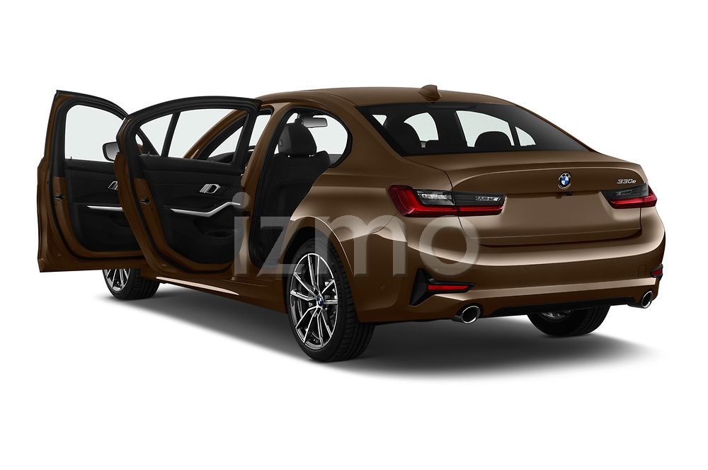 Car images close up view of a 2019 BMW 3 Series Sport PHEV 4 Door Sedan doors