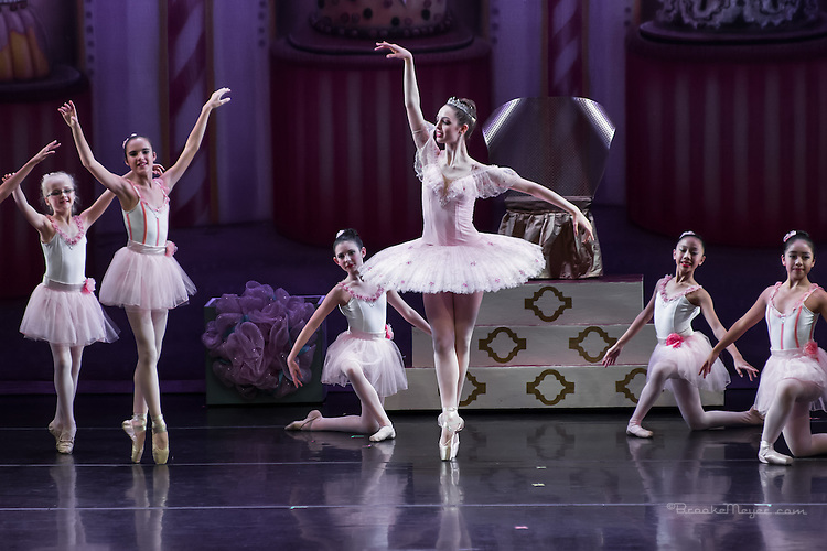 "Cary Ballet Company, ""Visions of Sugarplums"", Dress Rehearsal. Thurs., 17 Dec. 2015, Cary Arts Center, Cary, North Carolina. ."