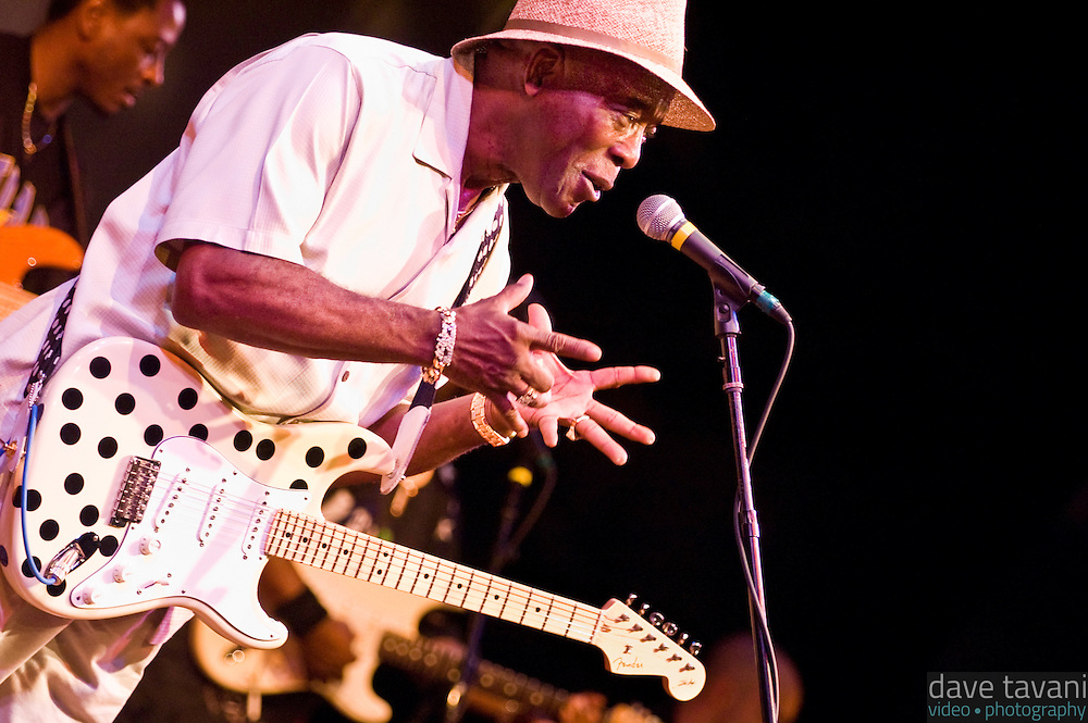Buddy Guy sings to the audience during a performance at World Cafe Live! in Philadelphia, September 16, 2005.