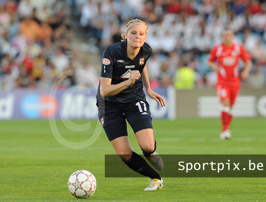 Uefa Women 's Champions League Final 2010 at  Coliseum Alfonso Perez in Getafe , Madrid : Olympique Lyon - Turbine Potsdam : Corine Franco.foto DAVID CATRY / Vrouwenteam.be