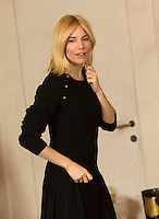 L'attrice Sienna Miller arriva a un photocall per la presentazione del film 'Il sapore del successo' a Roma, 28 ottobre 2015. <br /> Actress Sienna Miller poses during a photo call for the presentation of the movie 'Burnt' in Rome, 28 October 2015.<br /> UPDATE IMAGES PRESS/Riccardo De Luca<br /> <br /> *** ITALY AND GERMANY OUT ***