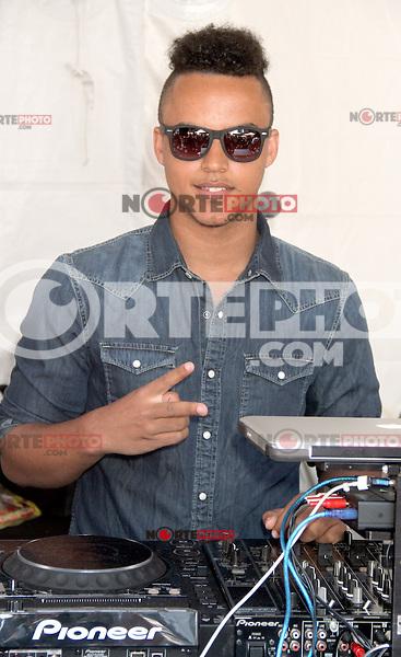 "NEW YORK CITY, NY-July 24 2012: Connor Cruise at the American Eagle Outfitters ""Live Your Life"" Campaign Launch at American Eagle Times Square Store in New York City. © RW/MediaPunch Inc. /NortePhoto.com<br /> <br />  **CREDITO*OBLIGATORIO** *No*Venta*A*Terceros*<br /> *No*Sale*So*third* ***No*Se*Permite*Hacer Archivo***No*Sale*So*third*©Imagenes*con derechos*de*autor©todos*reservados*."