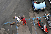 Intervento di pulizia nel quartiere San Lorenzo. Operatori dell' AMA mentre spazzano la strada e la piazza. .Speech cleaning in San Lorenzo district. Operators of AMA while sweep the street and the square. ....