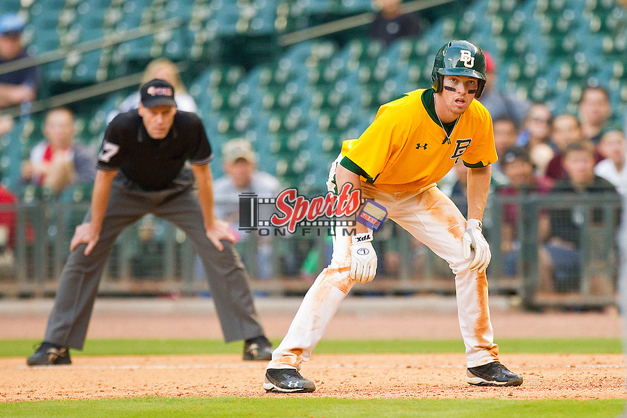 Brooks Pinckard #16 of the Baylor Bears takes his lead off of first base against the Rice Owls at Minute Maid Park on March 6, 2011 in Houston, Texas.  Photo by Brian Westerholt / Four Seam Images