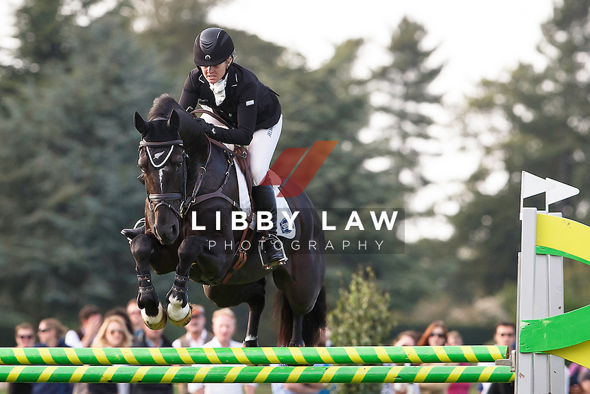 NZL-Jonelle Price (CLOUD DANCER) INTERIM-1ST: CIC3* 8/9YO SHOWJUMPING: 2015 GBR-Blenheim Palace International Horse Trial (Saturday 19 September) CREDIT: Libby Law COPYRIGHT: LIBBY LAW PHOTOGRAPHY