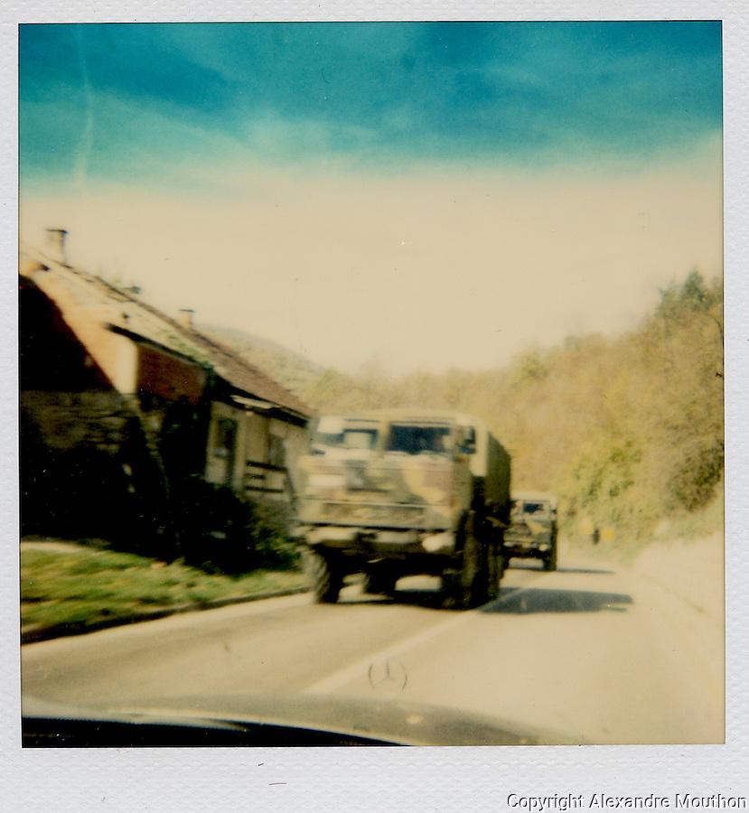 polaroid, Bosnia