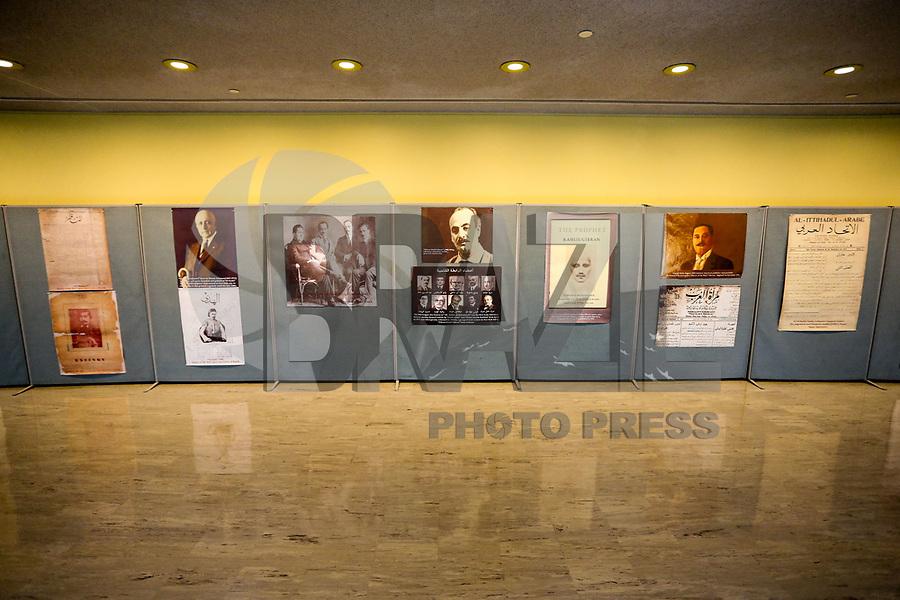 """NOVA YORK, EUA, 14.01.2019 - EXPOSIÇÃO-ONU - Vista da exposição que abre hoje """"From Pedding to Prophecy"""" organizada pela missão permanente do Líbano no Edifício da Conferência na sede das Nações Unidas em Nova York neste segunda-feira, 14. (Foto: William Volcov/Brazil Photo Press)"""