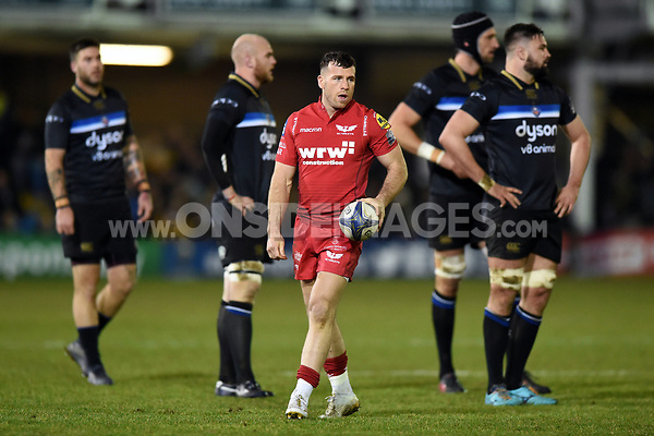 Gareth Davies of the Scarlets. European Rugby Champions Cup match, between Bath Rugby and the Scarlets on January 12, 2018 at the Recreation Ground in Bath, England. Photo by: Patrick Khachfe / Onside Images