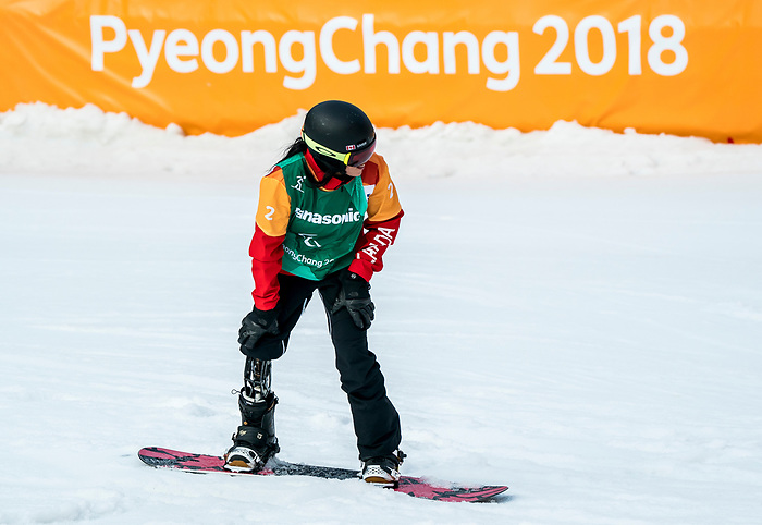 PyeongChang 12/3/2018 - Michelle Salt during the snowboard cross competition at the Jeongseon Alpine Centre during the 2018 Winter Paralympic Games in Pyeongchang, Korea. Photo: Dave Holland/Canadian Paralympic Committee