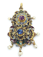 BNPS.co.uk (01202 558833)<br /> Pic: KidsonTrigg/BNPS<br /> <br /> £15,000 - 17th C sapphire and ruby pendant of Italian manufacture with enamel & pearl decoration with enamel decoration.<br /> <br /> Frozen Assets - Over a £100,000 of Renaissance era jewellry found under a frozen joint of lamb in a run down chalet bungalow is coming up for auction.<br /> <br /> Amazed auctioneers found the hidden gems in the ramshakle hoarders freezer near Uffington in Wiltshire - where the canny late owner had gone to great lengths to protect her precious haul.<br /> <br /> However, the hidden stash wasn't the result of a bank heist but belonged to an eccentric collector who amassed the items in the 1960s - and kept the receipts to prove it.<br /> <br /> She passed away recently and her family brought in experts to hunt out relics they knew their relative had hidden away over the years.