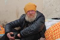 SDF dans les rues de Nice. M, 63 ans, dans la rue depuis 5 ans. # SANS DOMICILE FIXE DANS LES RUES DE NICE