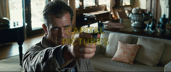 MEL GIBSON .in Edge of Darkness .*Filmstill - Editorial Use Only*.CAP/FB.Supplied by Capital Pictures.